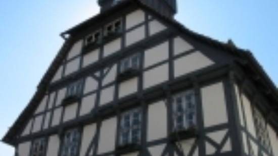 Rathaus-2-150