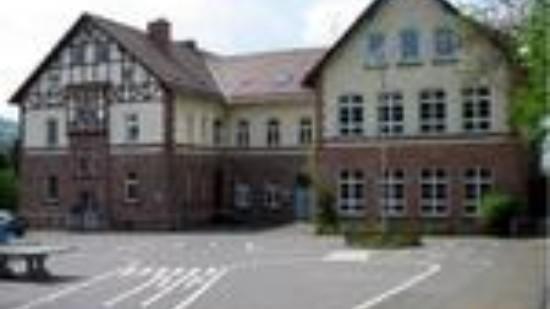 1245727582-hier-passiert-blick-rehbachschule-volpriehausen-jq34